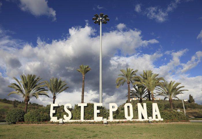 Why use self-storage units in Estepona?